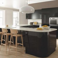 ZURFIZ_Ultra Gloss Black Kitchen