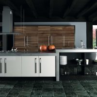 ZURFIZ_Ultra Gloss Noce Marino and White Kitchen