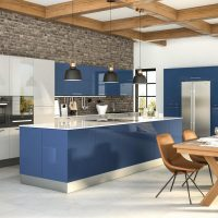 ZURFIZ_Ultragloss Baltic Blue Ultragloss Light Grey Kitchen