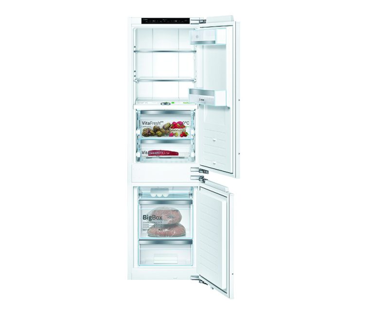 Serie | 8 Built-in fridge-freezer with freezer at bottom